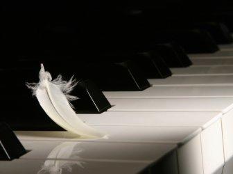 Großes Klavier
