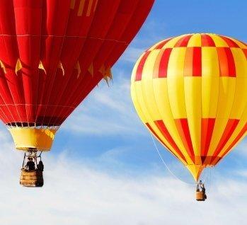 Ballonfahrt & Rundflug, Quelle: ©blueenayim/istockphoto