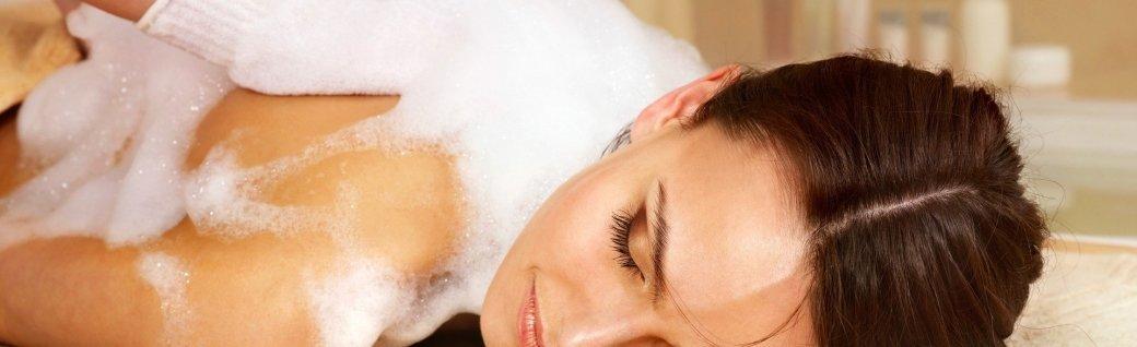 Massage für Frau im Schönheitssalon., Quelle: targovcom/istockphoto