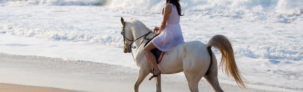 Mädchen Reiten am Strand, Quelle: michaeljung/istockphoto