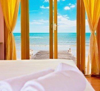Hotelzimmer mit Wasserbett, Quelle: Taitai6769  / istockphoto