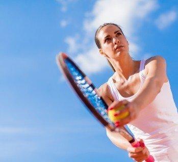 Tennisreisen, Quelle: boggy22/istockphoto