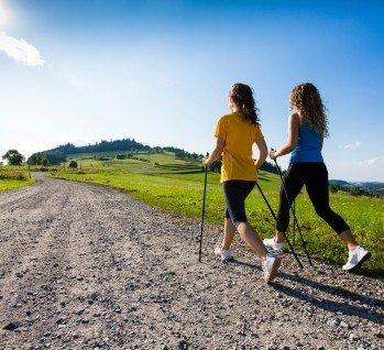 Wanderreisen & Nordic Walking, Quelle: ©gbh007/istockphoto