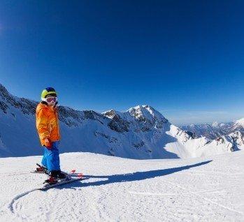 Skiurlaub, Quelle: SerrNovik/istockphoto