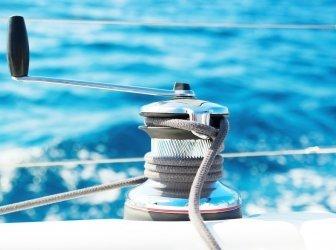 Seile auf dem Boot