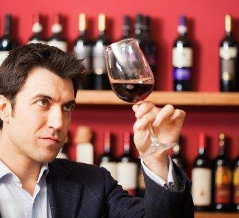 Weinprobe, Quelle: g-stockstudio/istockphoto