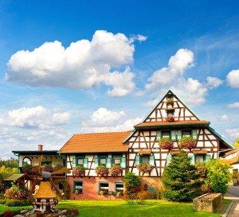 Schwarzwaldhotels, Quelle: LiliGraphie / istockphoto