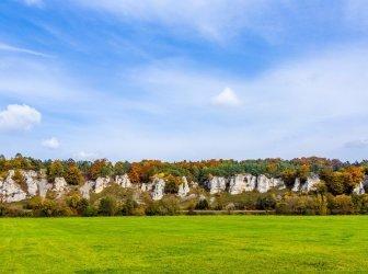 Felsen der 12 Apostel-Bergkette in Bayern