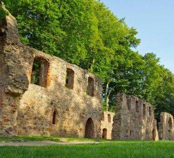 Burgen- & Heideland, Quelle: kelifamily/ istockphoto