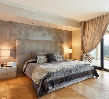 Executive-Doppelzimmer, Quelle: piovesempre / istockphoto