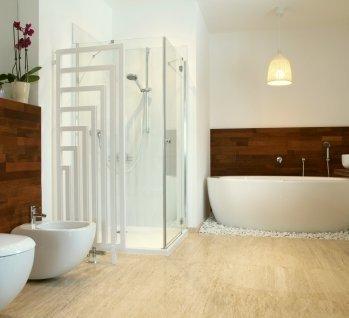 Badewanne oder Dusche, Quelle: ©KatarzynaBialasiewicz/istockphoto