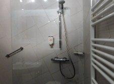 02 Dusche Einzelzimmer