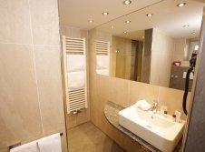 Badezimmer-2- Raum Zimmer