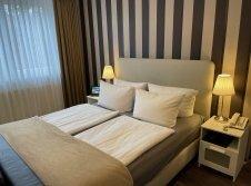 2 Zimmer 23 Doppelbett
