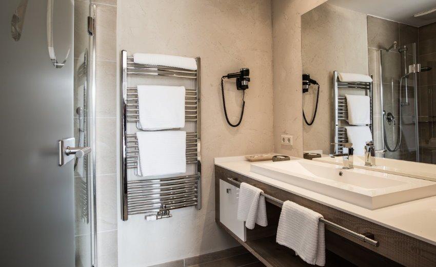 Hotel vital hotel meiser in fichtenau neust dtlein for Badezimmer quelle