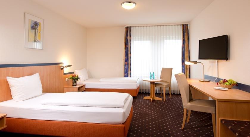 achat familien erlebnis hockenheim 2 n im achat comfort mannheim hockenheim in hockenheim. Black Bedroom Furniture Sets. Home Design Ideas