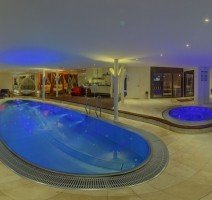 Schwimmbad, Quelle: (c) Luxfit Private SPA