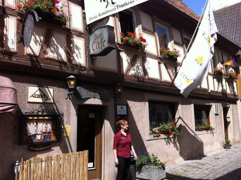 Fränkisches Weinland und Würzburg in Dettelbach