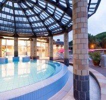 Gesund Bewegung im runden Süßwasserbecken ist attraktiv für Familien. , Quelle: (c) Sympathie Hotel Fürstenhof