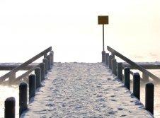 Badesteg im Winter