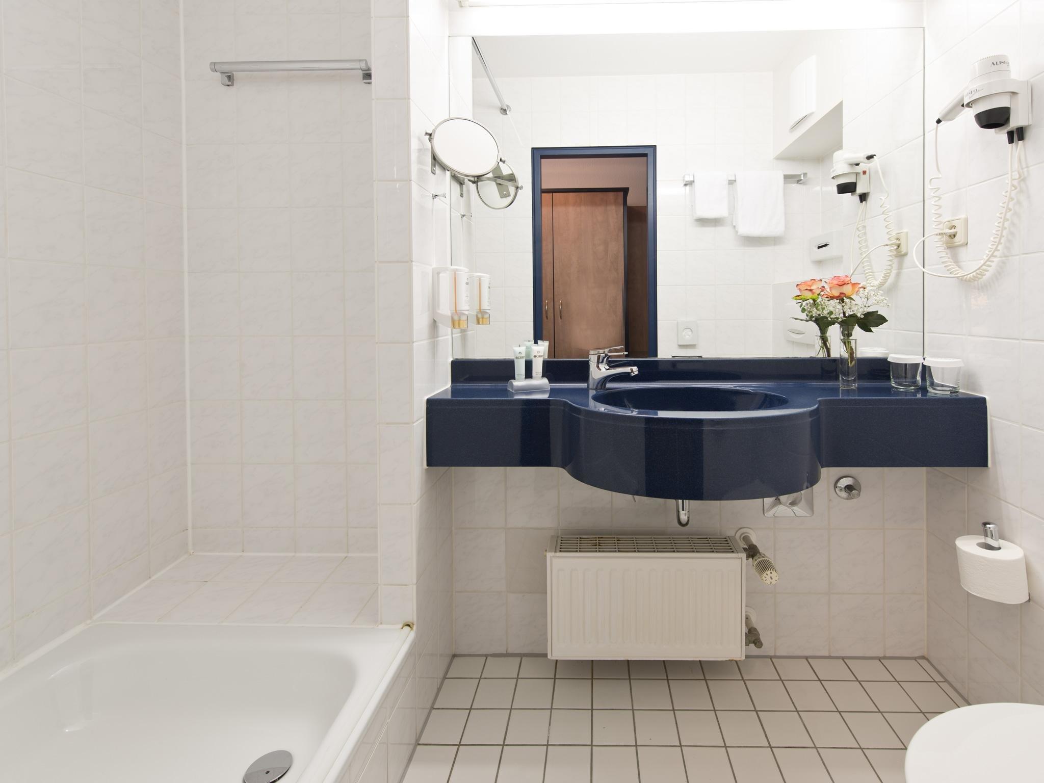 Achat familien erlebnis monheim am rhein 1 n mit for Badezimmer quelle