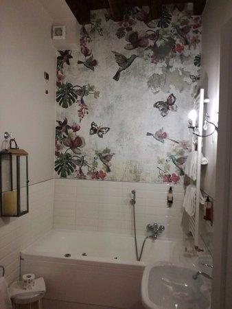 Romantische eskapade mit sehr privater verkostung im villa for Badezimmer quelle