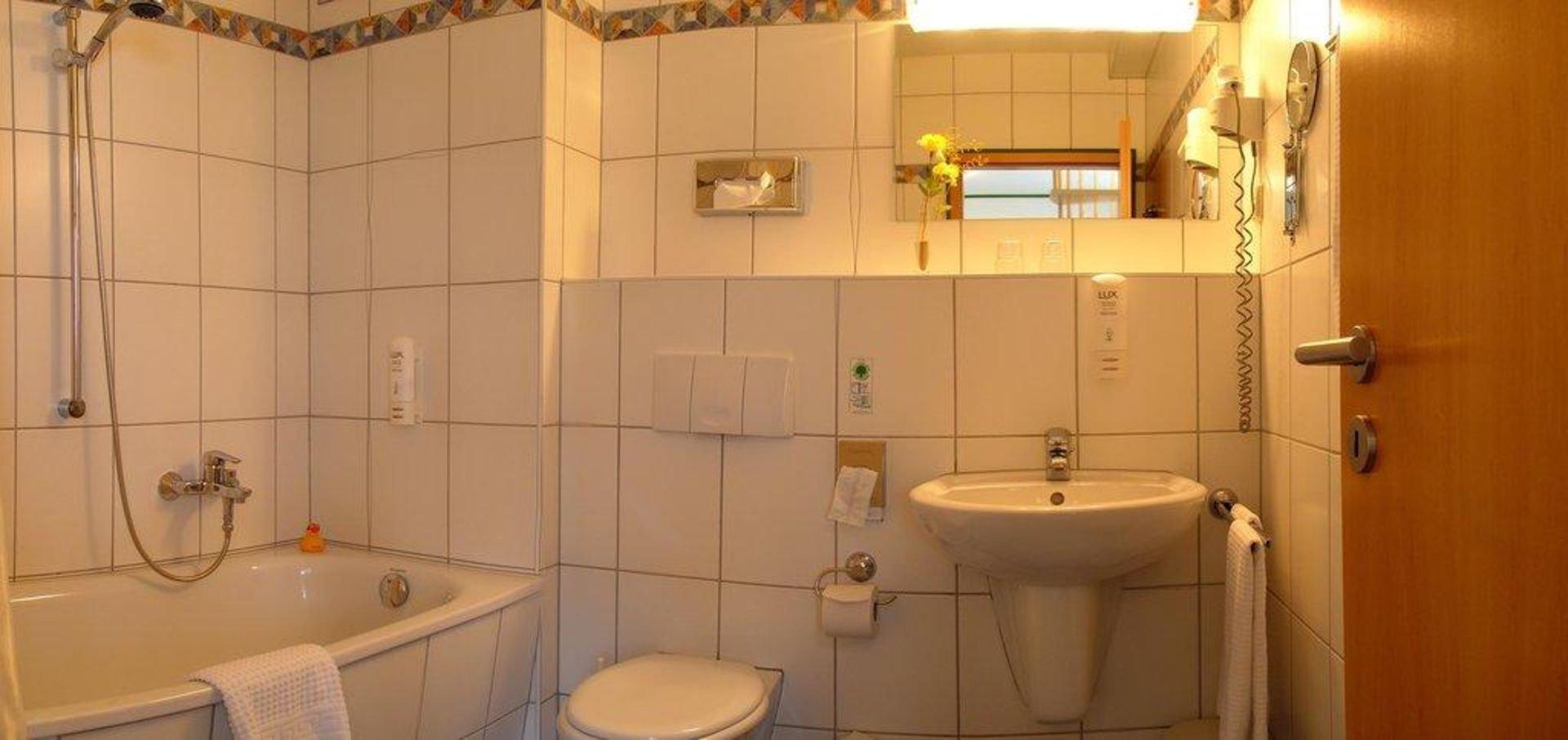 Naumburg spezial im hotel stadt naumburg in naumburg for Badezimmer quelle