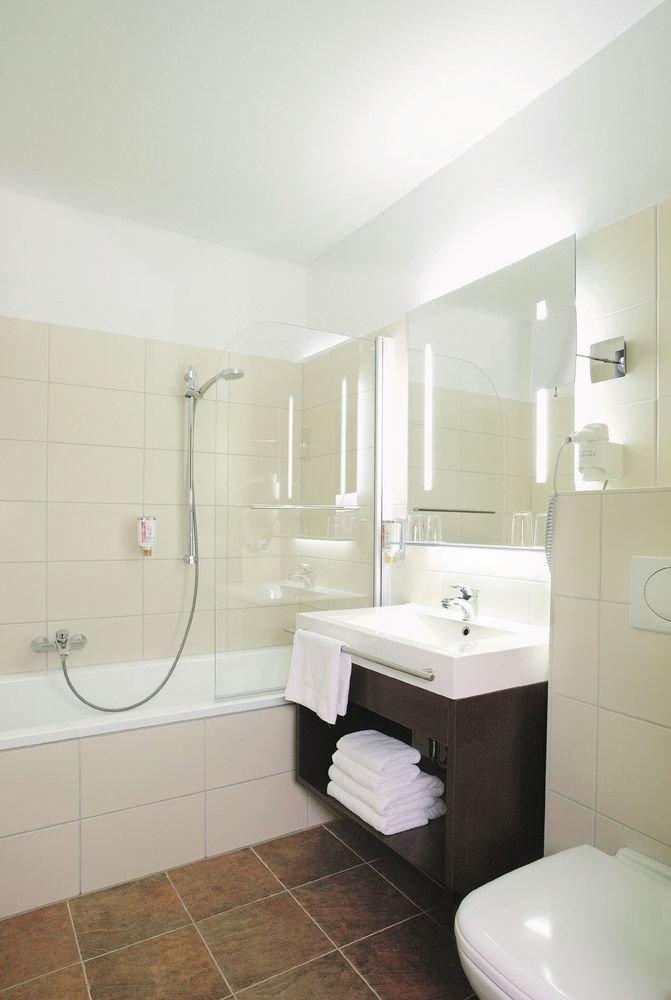 Hotel hotel am schloss ahrensburg in ahrensburg for Badezimmer quelle