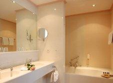 Badezimmer Garten Suite