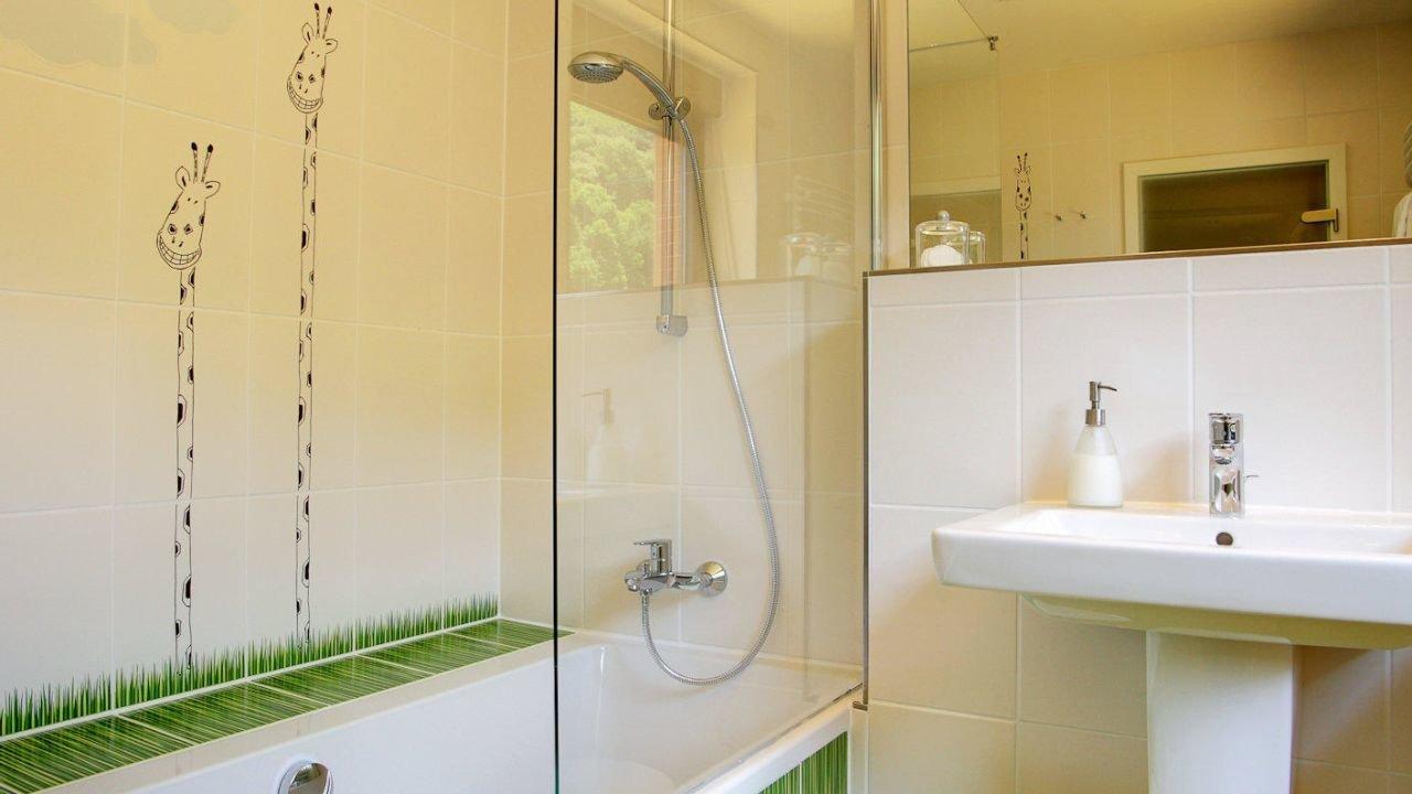 Hotel hotel haus schons in mettlach lage und anfahrt for Badezimmer quelle