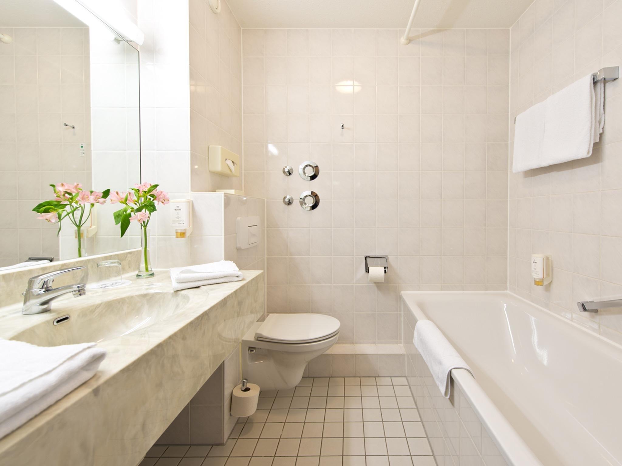 Achat erlebnis kulturstadt dresden im achat comfort for Badezimmer quelle