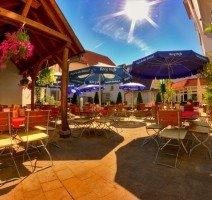 Unser schöner Biergarten im Innenhof. Ein kleiner Teil unseres Biergartens ist überdacht., Quelle: (c) Hotel & Restaurant Gasthof zum Ochsen