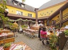 Biergarten im Brauerei-Gasthof Hotel Post