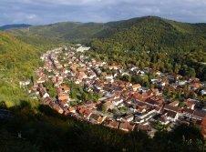 Blick vom Hausberg auf Bad Lauterberg mit Hotel Riemann am Kurpark