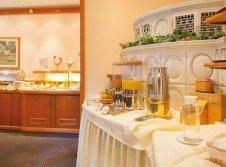 Büffet im Restaurant Vitalhotel