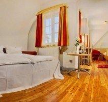 Unser zweites Vierbettzimmer. Hier wird ein Schlafsofa für zwei weitere Personen aufgebettet., Quelle: (c) Hotel & Restaurant Gasthof zum Ochsen