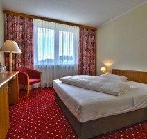 Doppelbettzimmer im Hotel Rosenstadt Forst, Quelle: (c) Hotel Rosenstadt Forst