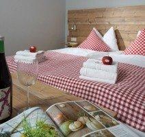 Doppelzimmer  Hotel & Restaurant Alpenglück, Quelle: