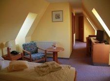 Doppelzimmer Mansarde mit Badewanne