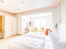 Doppelzimmer Seerose mit Whirlwanne