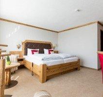 ca. 27 m² mit großem Südbalkon, zur Hotelparkseite gelegen, Quelle: (c) Hotel Gerbe