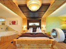 Doppelzimmer Zirbentraum de luxe mit Whirlpool