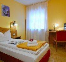 Einzelzimmer  Hotel & Restaurant Alpenglück, Quelle: