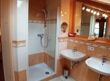 Badezimmer-Exklusiv Doppelzimmer