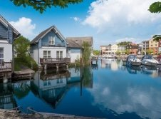 Ferienhäuser am Wasser