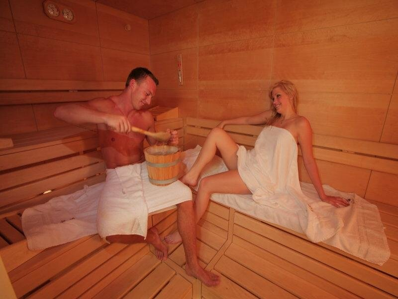 kleine auszeit zu zweit vor den toren salzburgs im wellness und landhotel prinz romantik. Black Bedroom Furniture Sets. Home Design Ideas