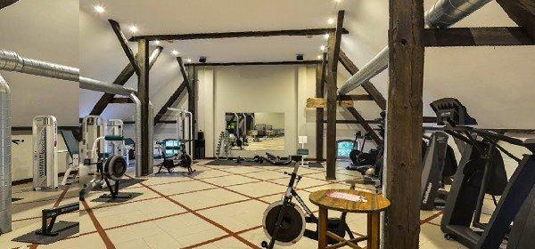 Hotel Schlosshotel Wiechlice In Szprotawa Verwoehnwochenende