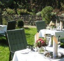 Romantisches Dinner im Garten, Quelle: (c) Residenz Hotel Am Festspielhaus
