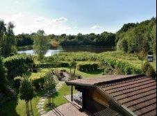 Hotel Garten mit Teich