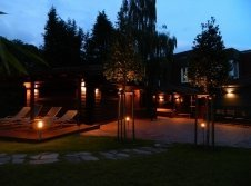 Hotel Terrasse mit Liegewiese